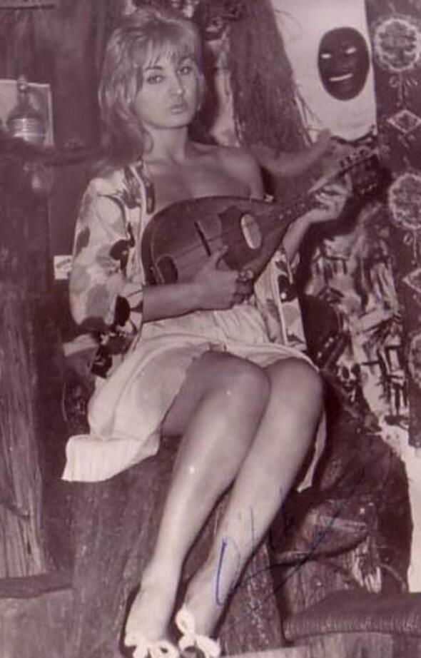 Saçının teli için servet dökülürdü, cenazesini beş kişi kaldırdı