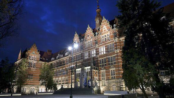 Avrupanın en görkemli üniversite kampüsleri