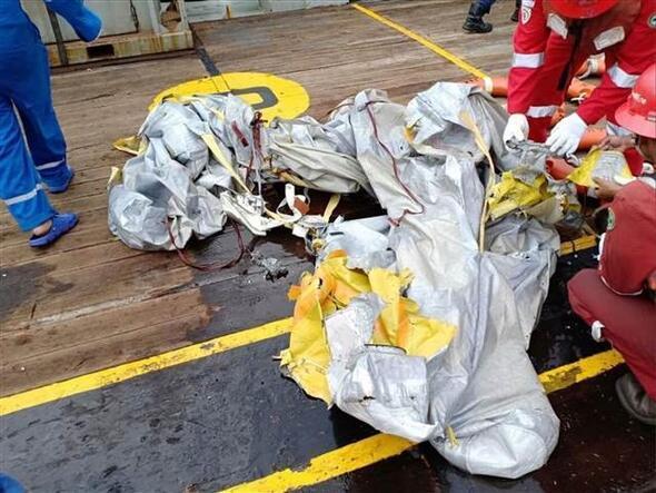 Endonezyada uçak düştü