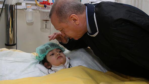 Cumhurbaşkanı Erdoğan Kartalda çöken binada yaralanan çocukları hastanede ziyaret etti