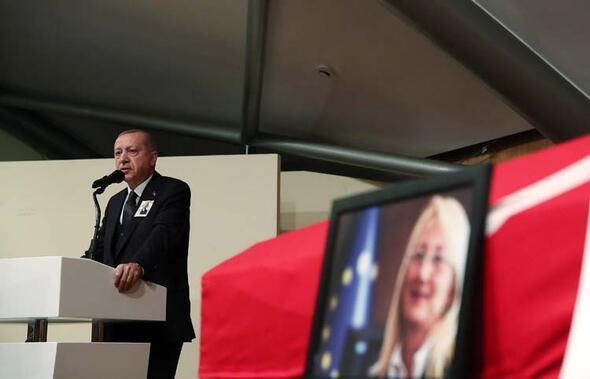 Cumhurbaşkanı Erdoğan Prof. Dr. Beril Dedeoğlu'nun cenaze törenine katıldı