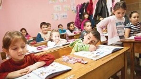 Ermeni çocuklar okullu olacak