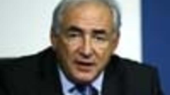 IMF director Dominique Strauss-Kahn gets to keep job despite affair