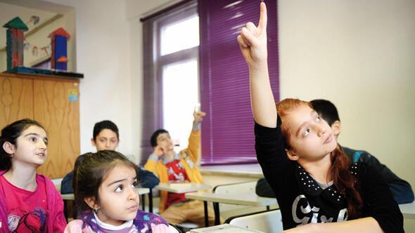 Bir sınıf dört dil