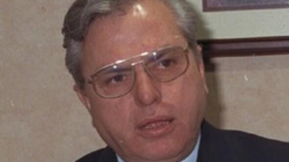 Eski ulaştırma bakanlarından Necdet Menzir vefat etti