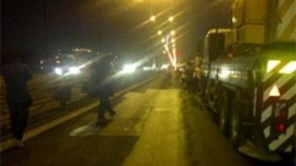 FSMyi kilitleyen feci kaza: 2 ölü