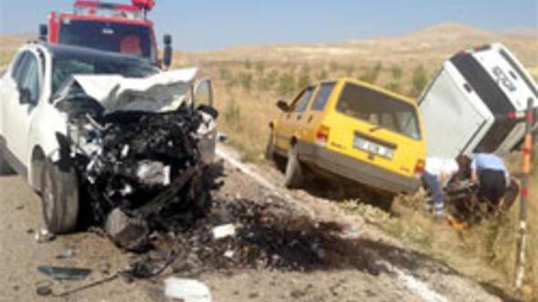 Antalyada trafik kazası: 5 ölü, 7 yaralı