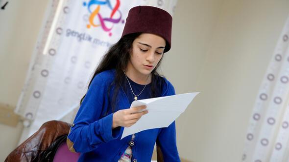 Ankara Haberleri Usanmazdan Gençlere Oyunculuk Eğitimi Yerel