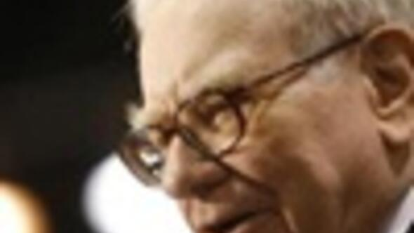 Buffett sees long, deep U.S. recession