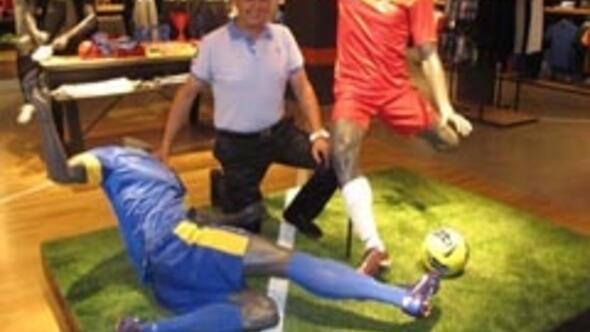 Nikeın en büyük mağazası İzmire