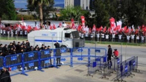 İzmirdeki gizli belge davasında gergin anlar