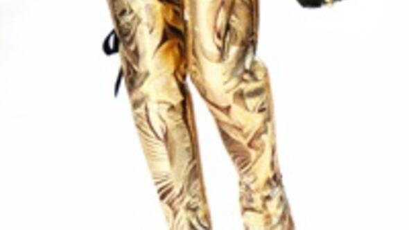 Önümüzdeki en büyük moda paradoksu Dizüstü çizme giymeli mi giymemeli mi