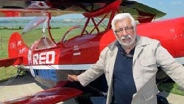 Efsane pilot Murat Öztürk yaşamını yitirdi