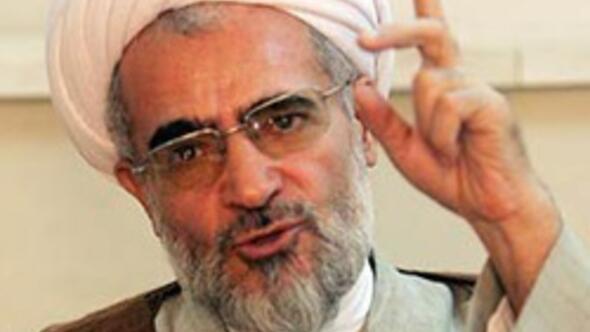 İranlı din aliminden fetva: Su içmek orucu bozmaz