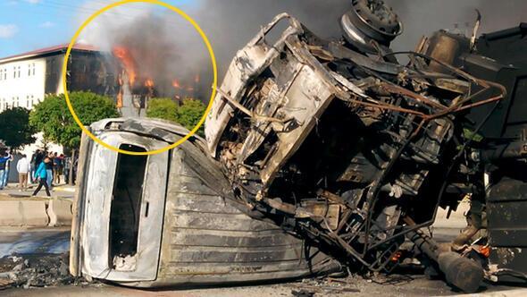 Patnosta belediye binası ve araçlar yakıldı