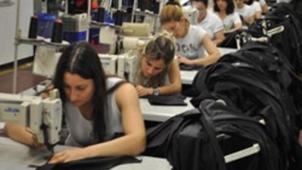 Bu fabrikada tam 1650 kadın çalışıyor