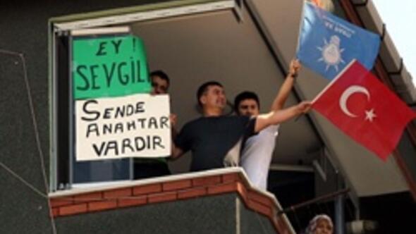 AK Parti MKYK öncesi Erdoğana ilginç pankart