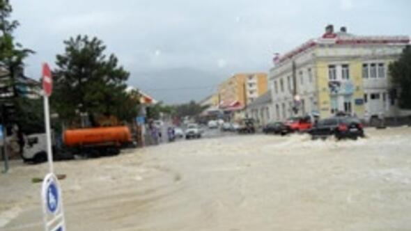 Rusyada sel felaketi: 152 ölü