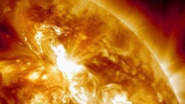 Son yılların en büyük Güneş patlaması bugün Dünya'ya ulaştı