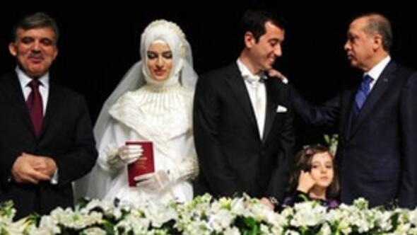 Bakan Dinçerin oğlu ile Bakan Yıldızın kızı evlendi