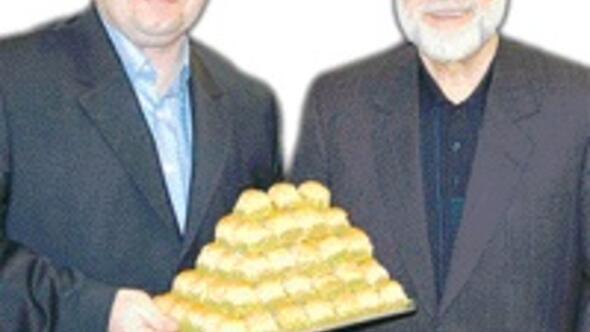 Her tarafa Güllüoğlu açıp durmayın başka baklavacılar da ekmek yesin