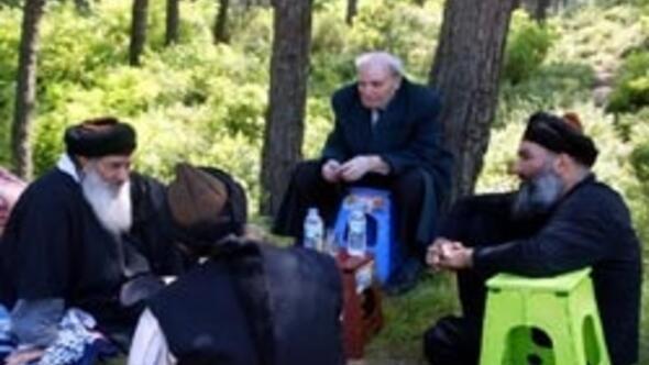 Üzmez ve Gündüzün piknik keyfi