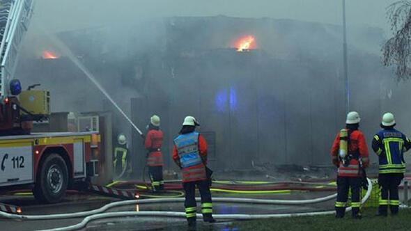 Almanyanın Kehl kentinde korkutan yangın