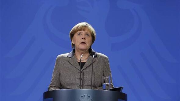 Almanya Başbakanı Merkel: Sekiz vatandaşımız İstanbul gezisinden dönemeyecek