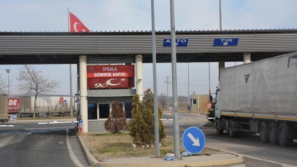 İpsala sınır kapısı araç geçişlerine açıldı