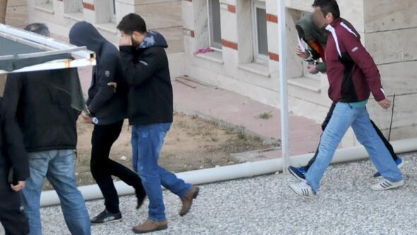 Muğlada 13.5 kilo patlayıcı saklanmış araç yakalandı