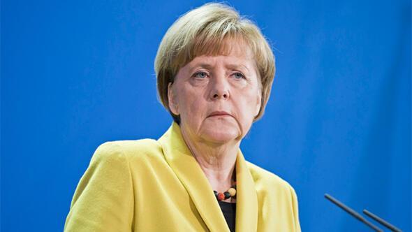Merkel'e Türkiye tepkisi yağıyor