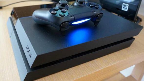 Sonyden PlayStation 4.5 sürprizi