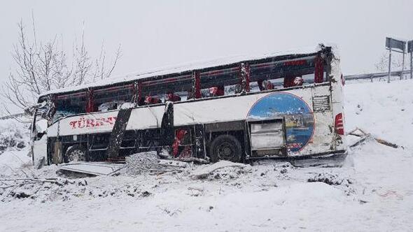Sinopta yolcu otobüsü şarampole yuvarlandı; 4 ölü, 27 yaralı- yeniden
