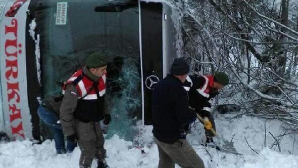 Sinopta otobüs uçuruma yuvarlandı: 1 yaralı