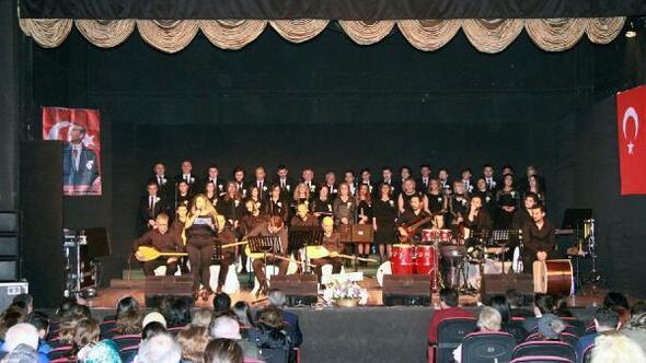 Türk Halk Müziği konseri çok beğenildi
