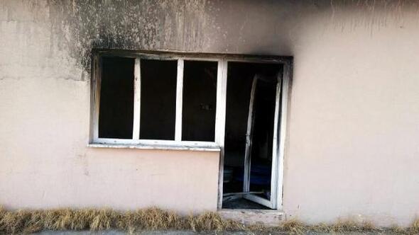 Down Sendromlu çocuk cemevinin kütüphanesini yaktı