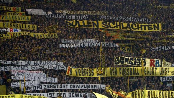 Borussia Dortmundlu 88 taraftara statlara giriş yasağı