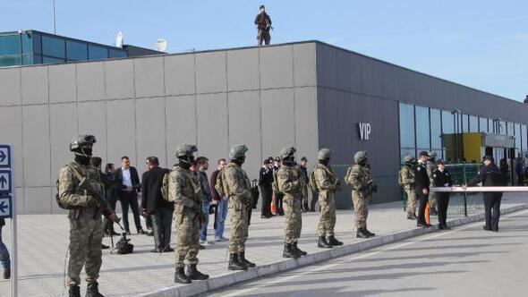 Bakan Soylu, Erzurumda Kılıçdaroğluna: Adamlarını derle topla, terör örgütünün propagandasını yapmasınlar - Ek fotoğraflar