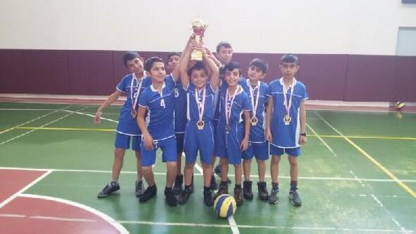 Varto YBO Hentbol Takımı Şampiyon