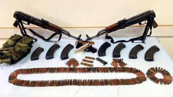 Siirtte 2 köy evinde silah ve mermiler ele geçti