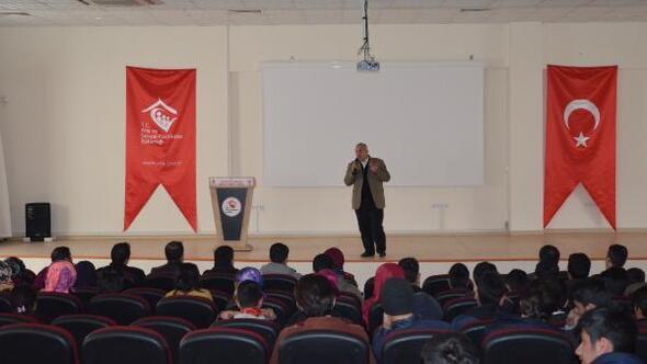 Adilcevaz'da YGS öğrencilerine motivasyon semineri