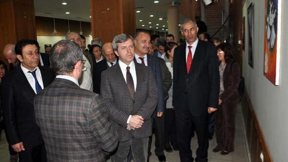 Bitlis'te resim sergisi açıldı