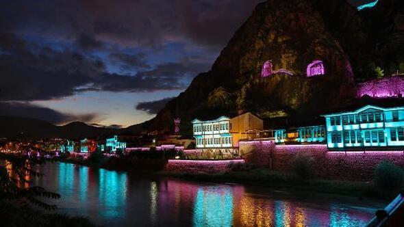 Amasyaya en büyük açık alan led aydılatma sistemi kuruldu