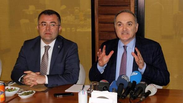 Bakan Özlü: Referandum statükocular ile Türkiyenin büyümesini isteyenler arasında olacak