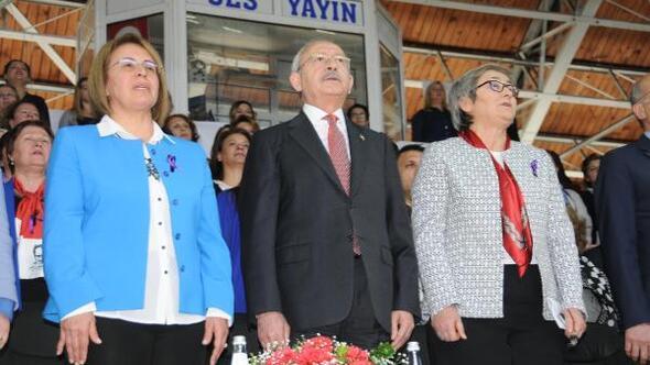 Kemal Kılıçdaroğlu, El Bab şehidinin ailesini ziyaret etti (2)