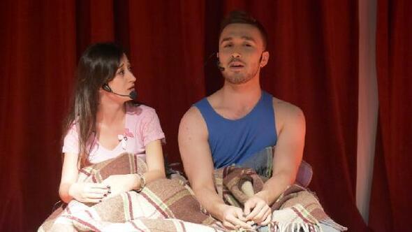 Tekirdağda üniversiteliler, Bir Garip Tiyatro Silsilesini sahneledi