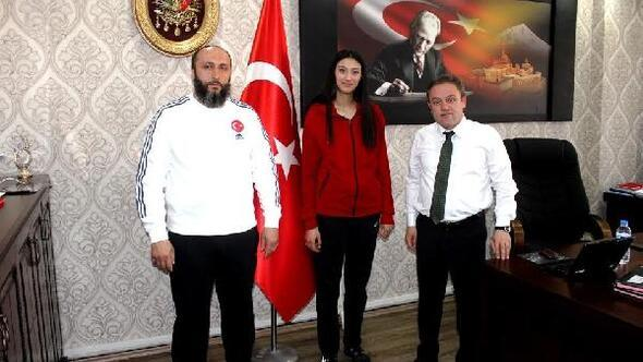 Ağrı'lı taekwondocu Hacer Türkiye üçüncüsü oldu