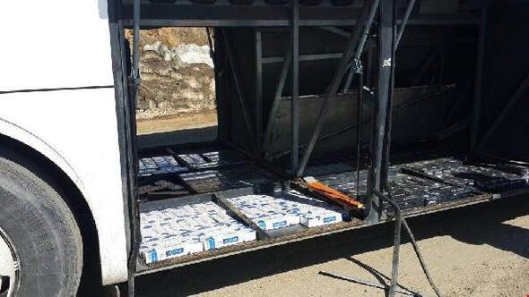 Yüksekovada yolcu otobüsünde kaçak sigara ele geçirildi