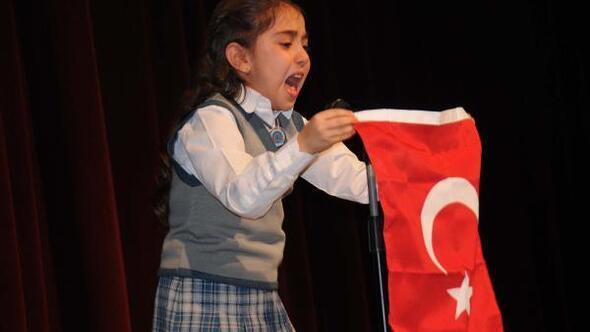 Hakkarili Büşra, İstiklal Marşını ağlayarak okudu