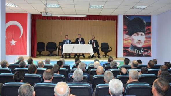 Adilcevaz'da kurum amirleri ve muhtarlarla toplantı